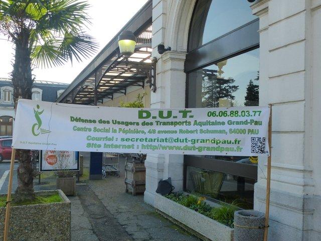 6003c660e96e Lors de la manifestation en gare de Pau le vendredi 18 février 2017 pour le  maintien du train de nuit